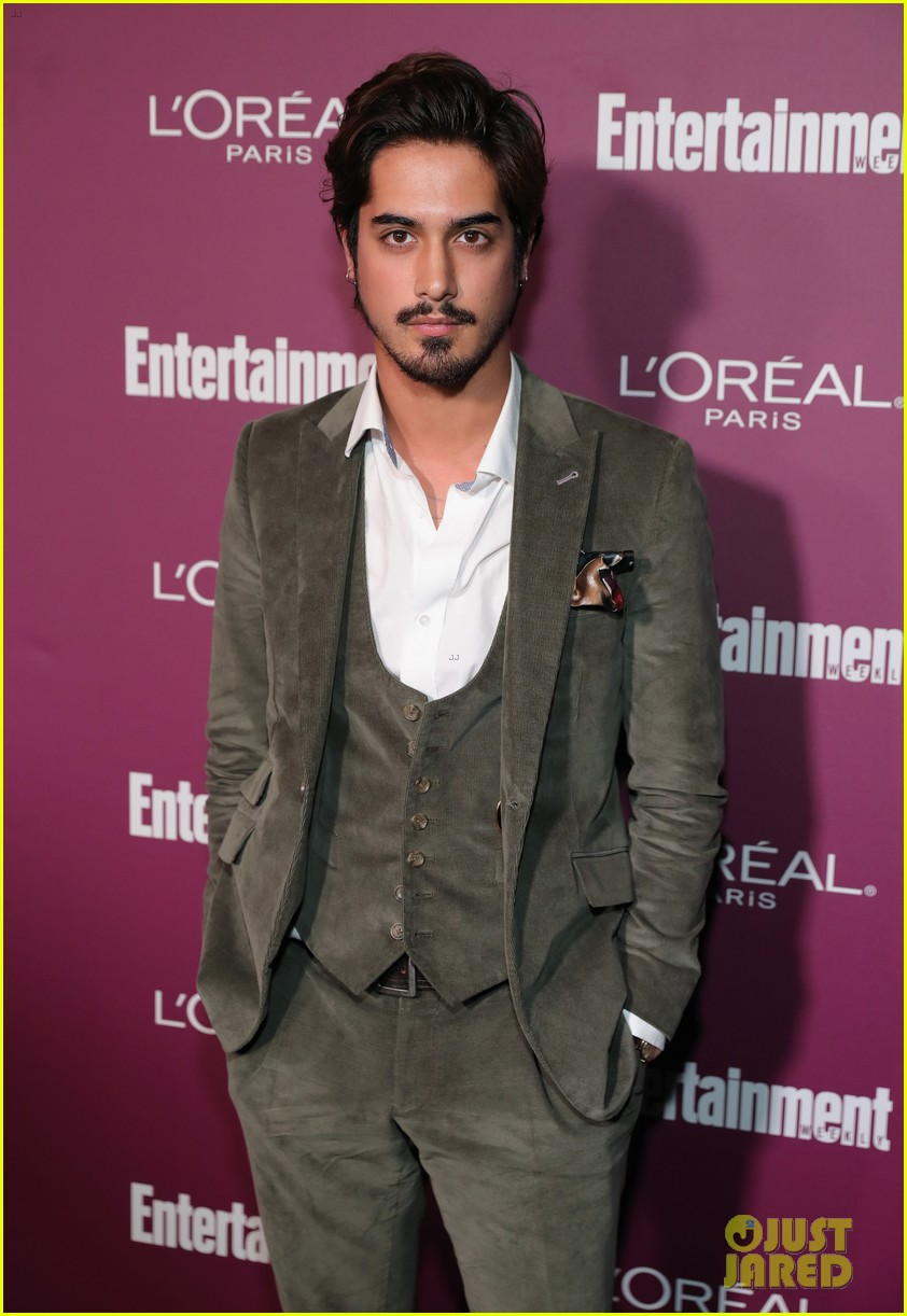 Avan and zoey dating 6