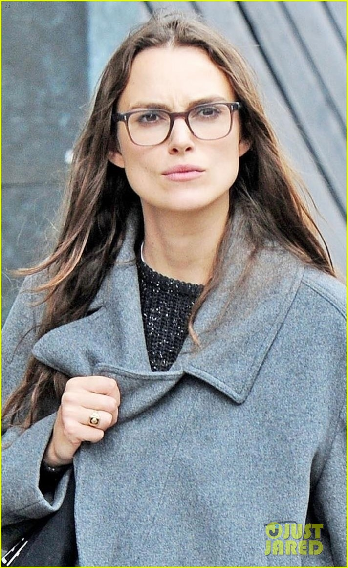 keira knightley errands in london 033956448