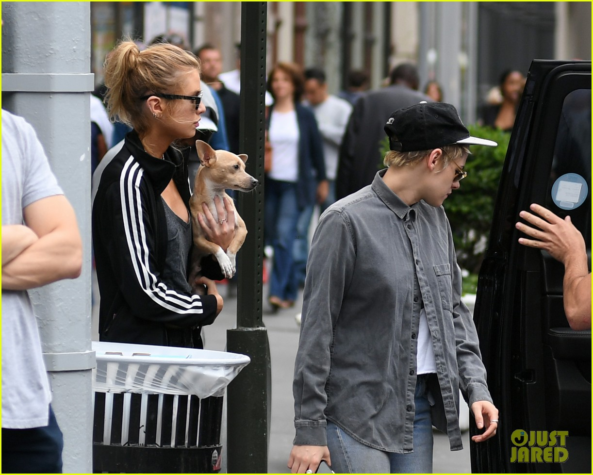 kristen stewart girlfriend stella maxwell enjoy afternoon oouting in nyc 04