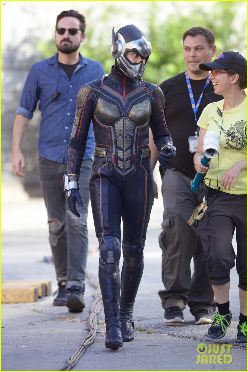 Ant Man and The Wasp  Evangeline-lilly-suits-as-the-wasp-on-set-of-ant-man-sequel-01