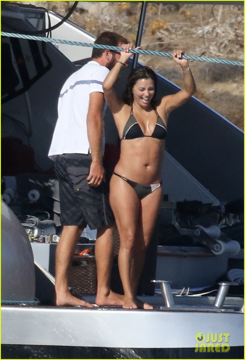 eva longoria rocks a tiny biikini on vacation with hubby jose baston 01