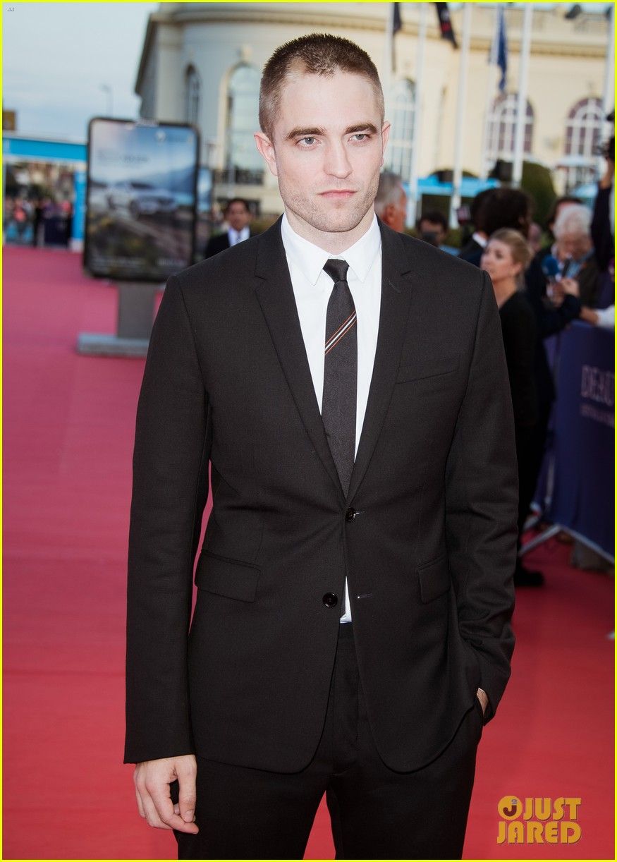 robert pattinson accepts special honor at deauville film fest 103949616