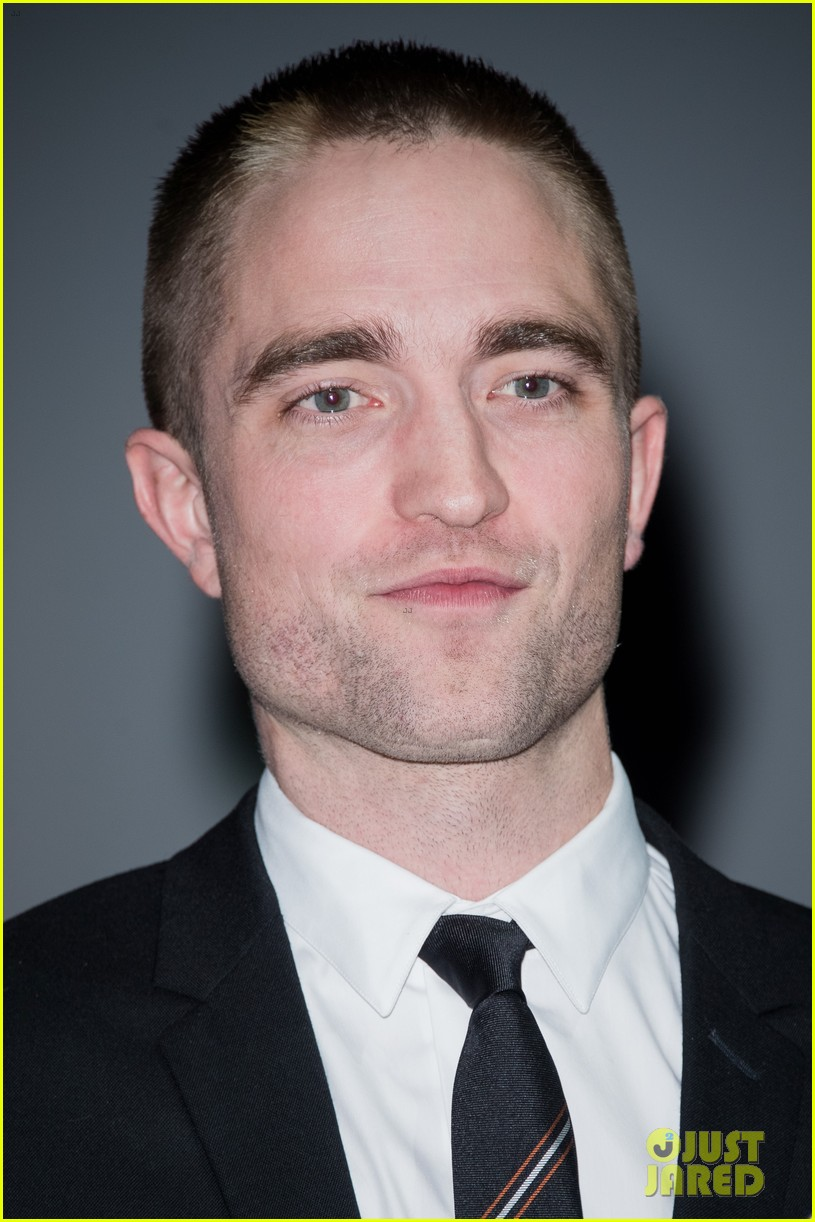 robert pattinson accepts special honor at deauville film fest 173949623