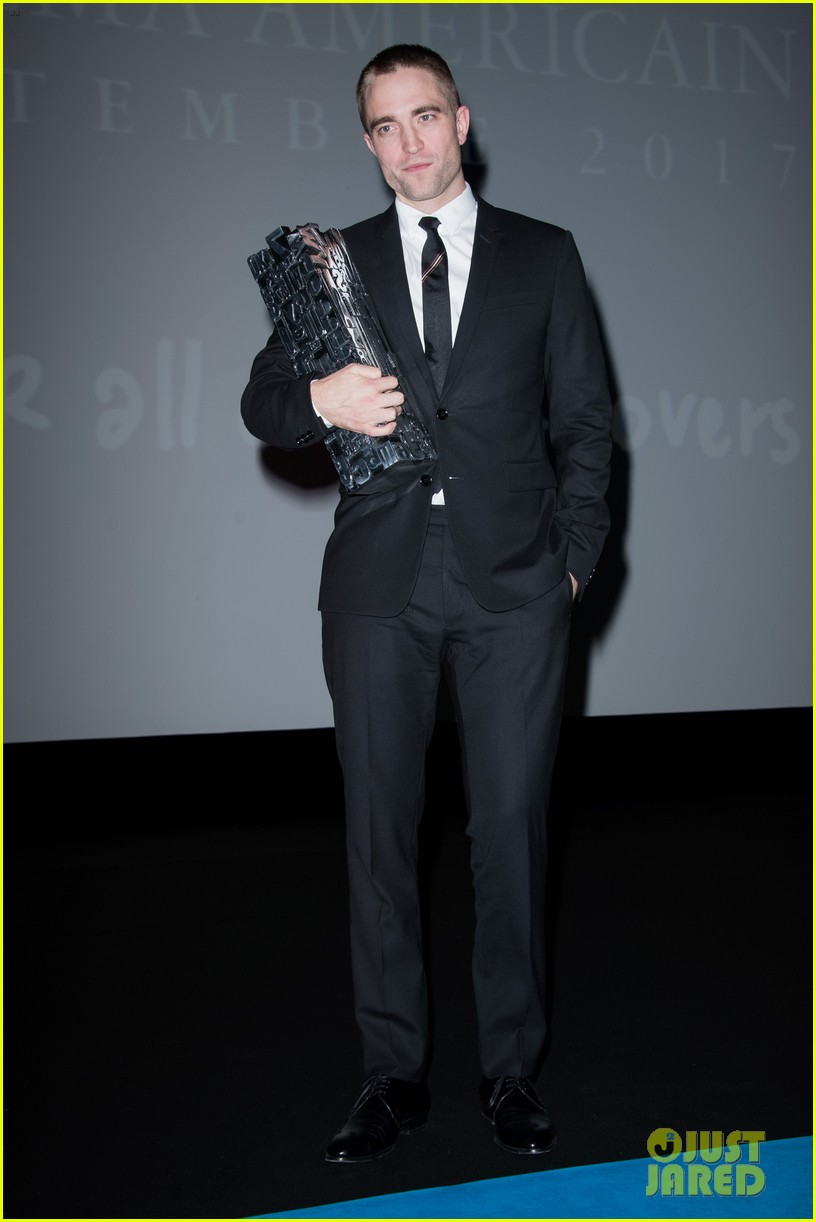 robert pattinson accepts special honor at deauville film fest 203949626