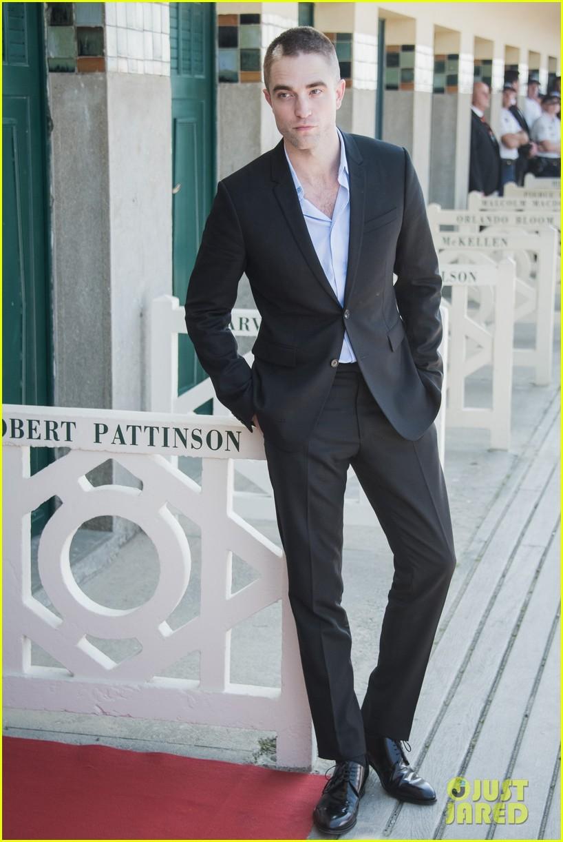 robert pattinson debuts new buzz cut at deauville film fest 03