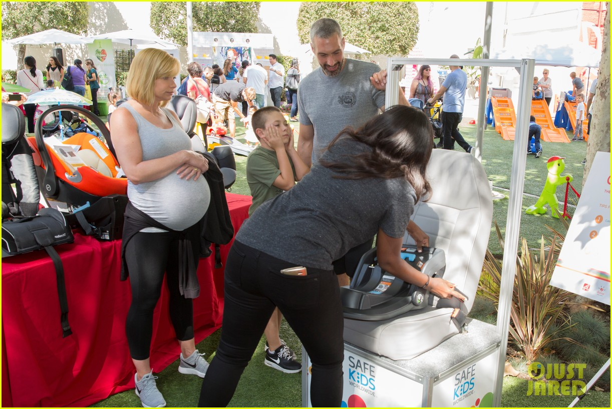 Chris Brown Just Jared Summer Bash 01 furthermore Jessica Biel Post Baby Body Son Silas Timberlake Park Pics together with Mariah Carey Performs One Child Washington besides Marlee Matlin Birthday August 24 moreover Jessica Biel arrives in style. on justin timberlake baby