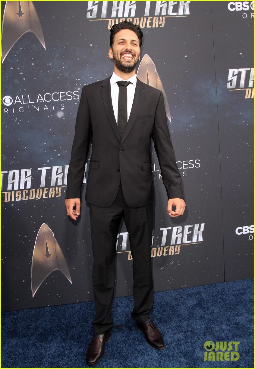 anthony rapp wilson cruz talk gay romance in star trek discovery 603961352