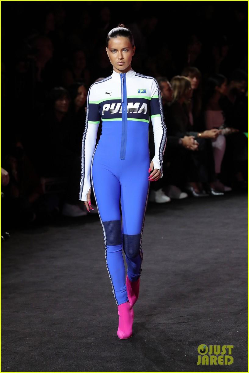 rihannas fenty fashion show 223954671