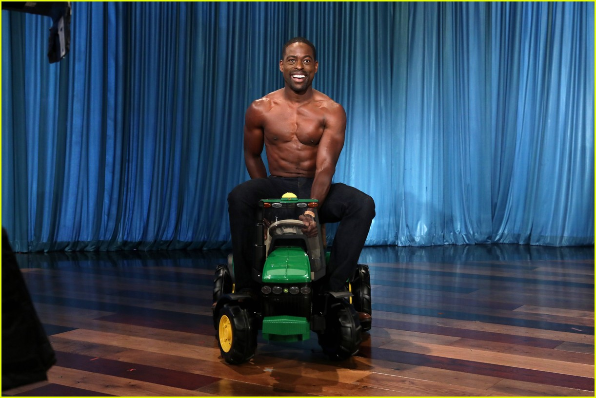 sterling k brown goes shirtless for his first ellen appearance 04