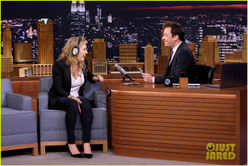 kate winslet plays the whisper challenge with jimmy fallon 023965159