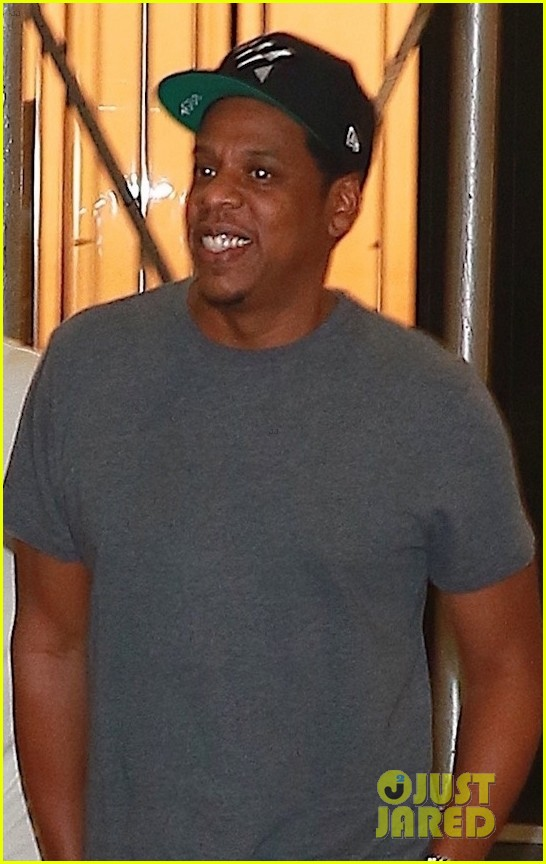 jay z enjoys a night out with friends in nyc 04