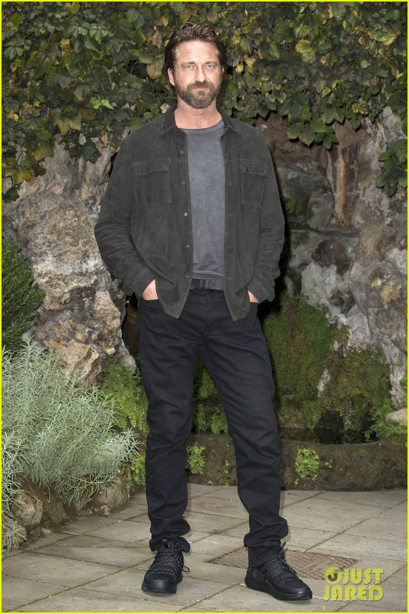 gerard butler rome photo call geostorm 06