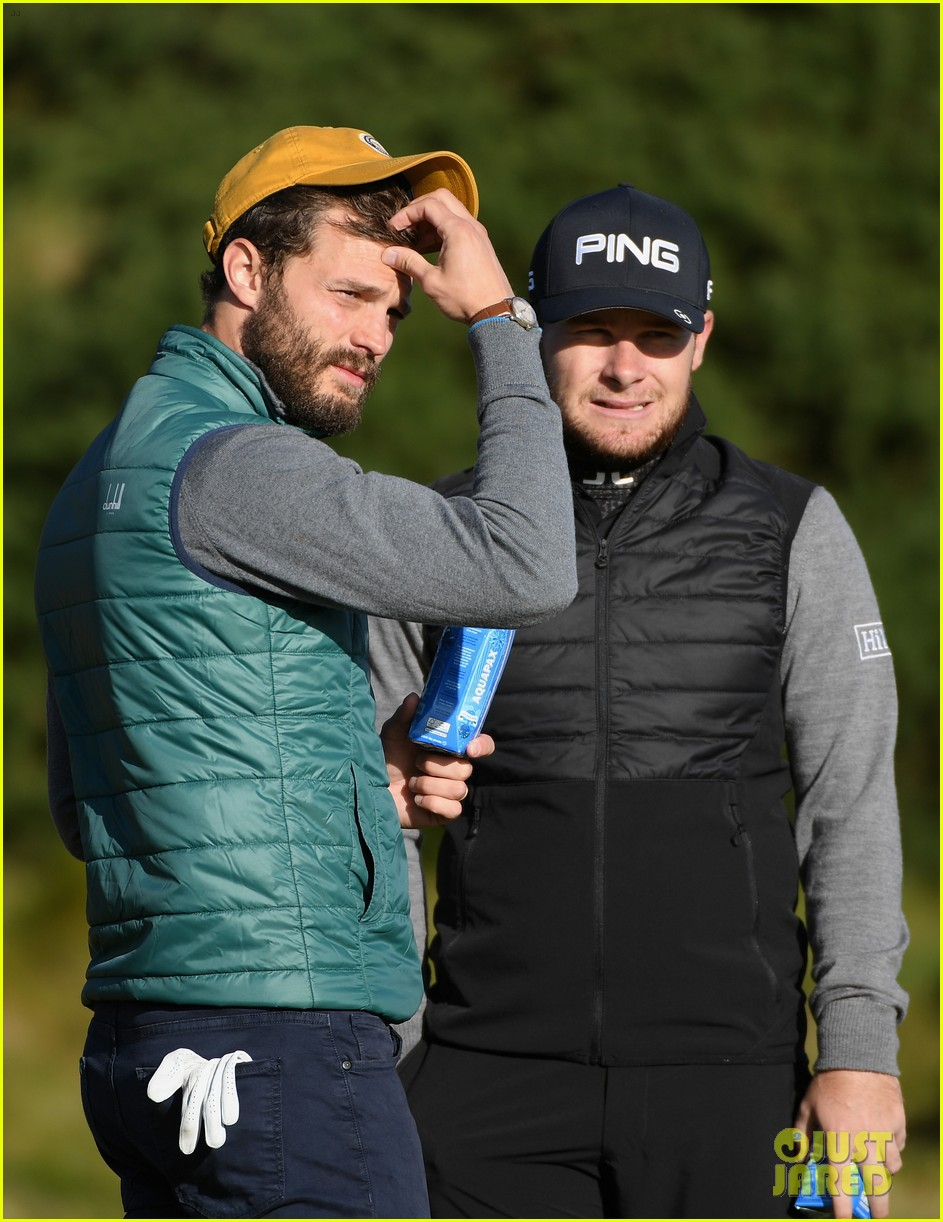 jamie dornan hits out of a bunker alfred dunhill championship 04