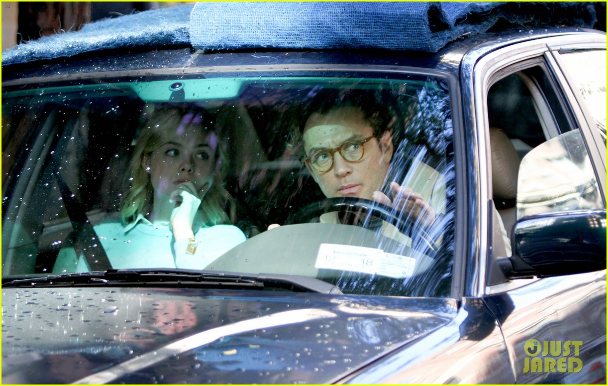 elle fanning jude law and rebecca hall film woody allen movie in nyc 05
