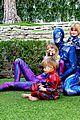 jaime king family dress up as power rangers for halloween 06