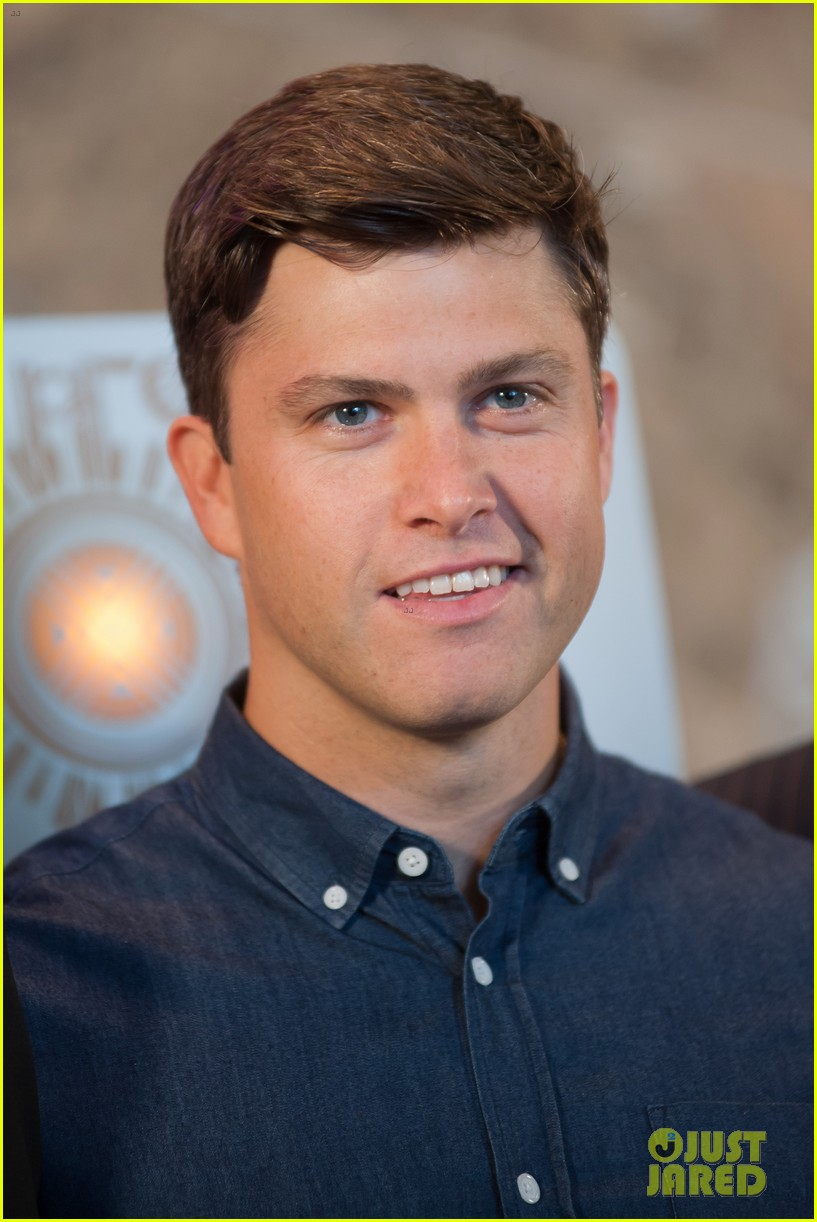 colin jost lights the empire state building in nyc 01