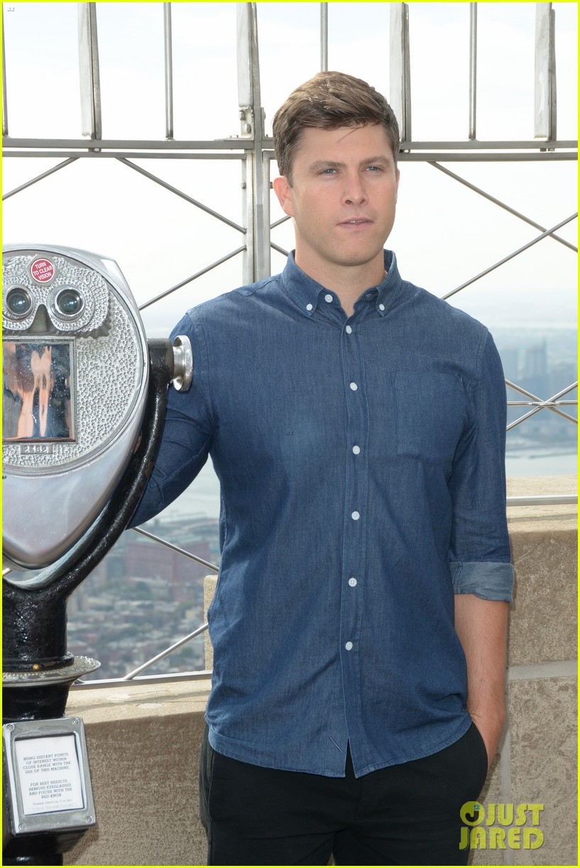 colin jost lights the empire state building in nyc 04