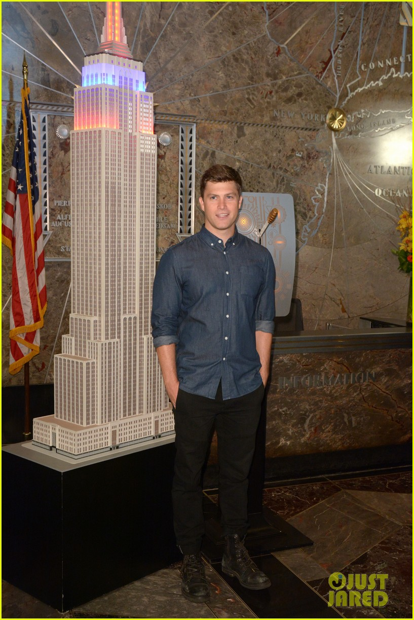 colin jost lights the empire state building in nyc 05