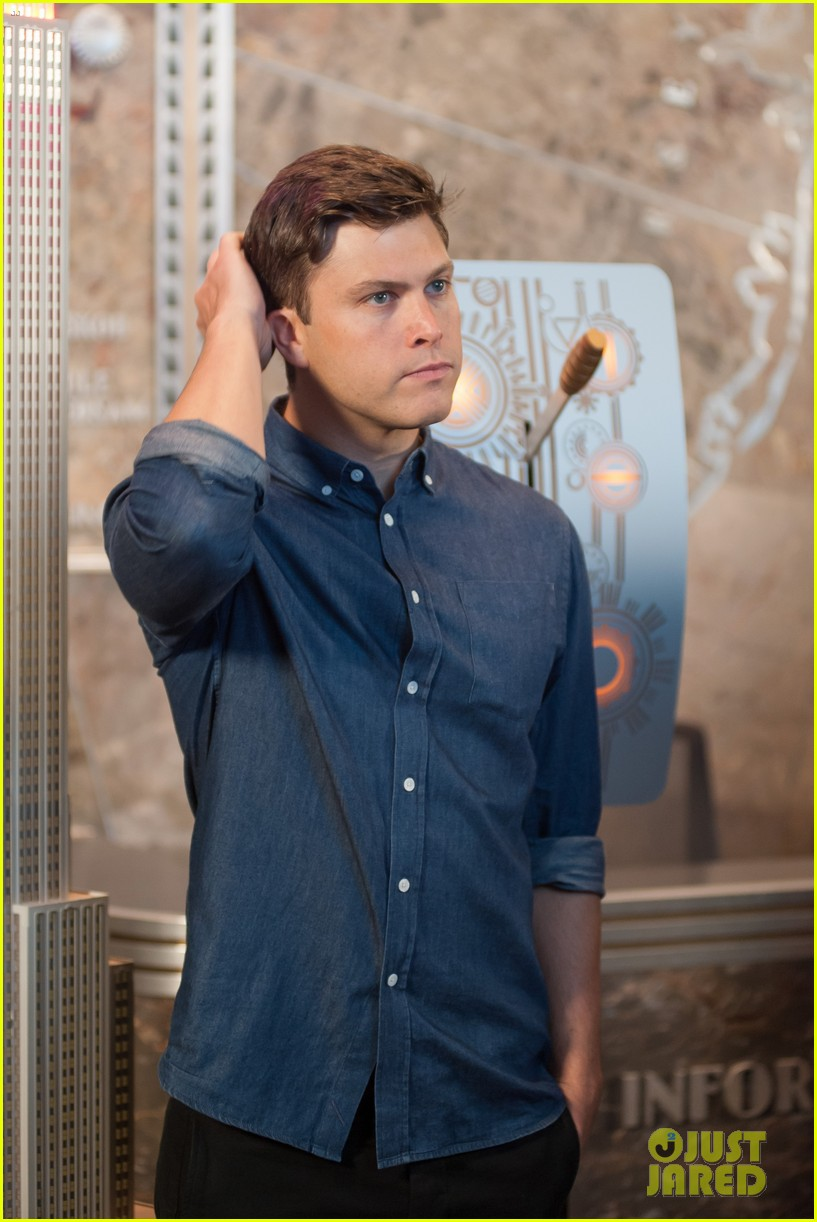 colin jost lights the empire state building in nyc 07