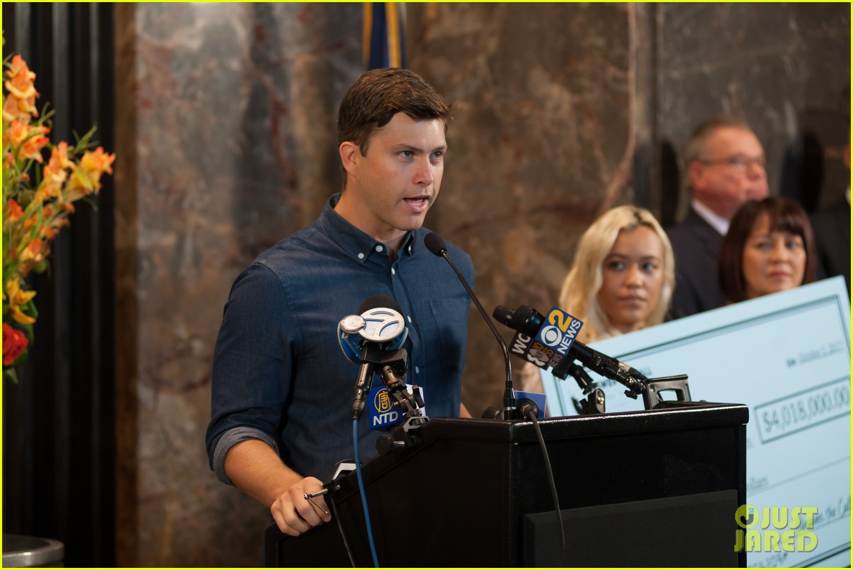 colin jost lights the empire state building in nyc 09