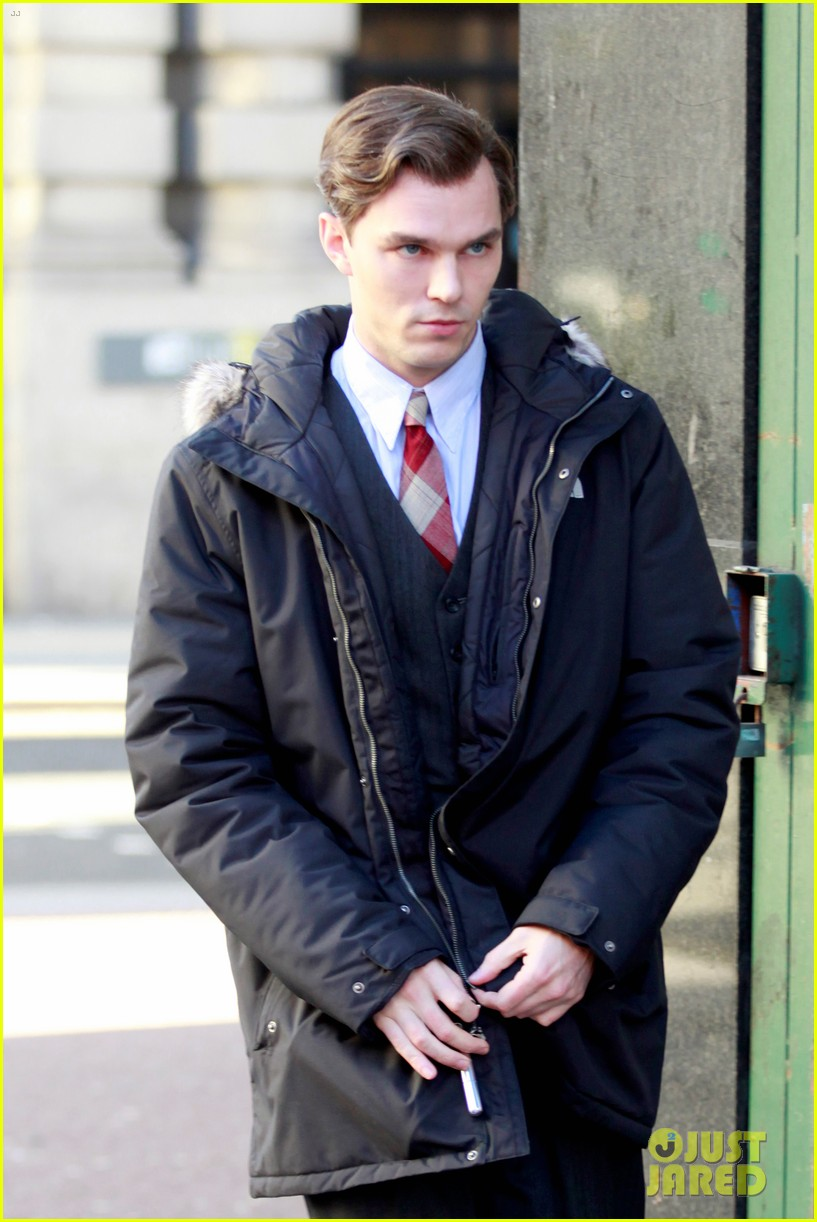 nicholoas hoult on the set of tolkien 013979272