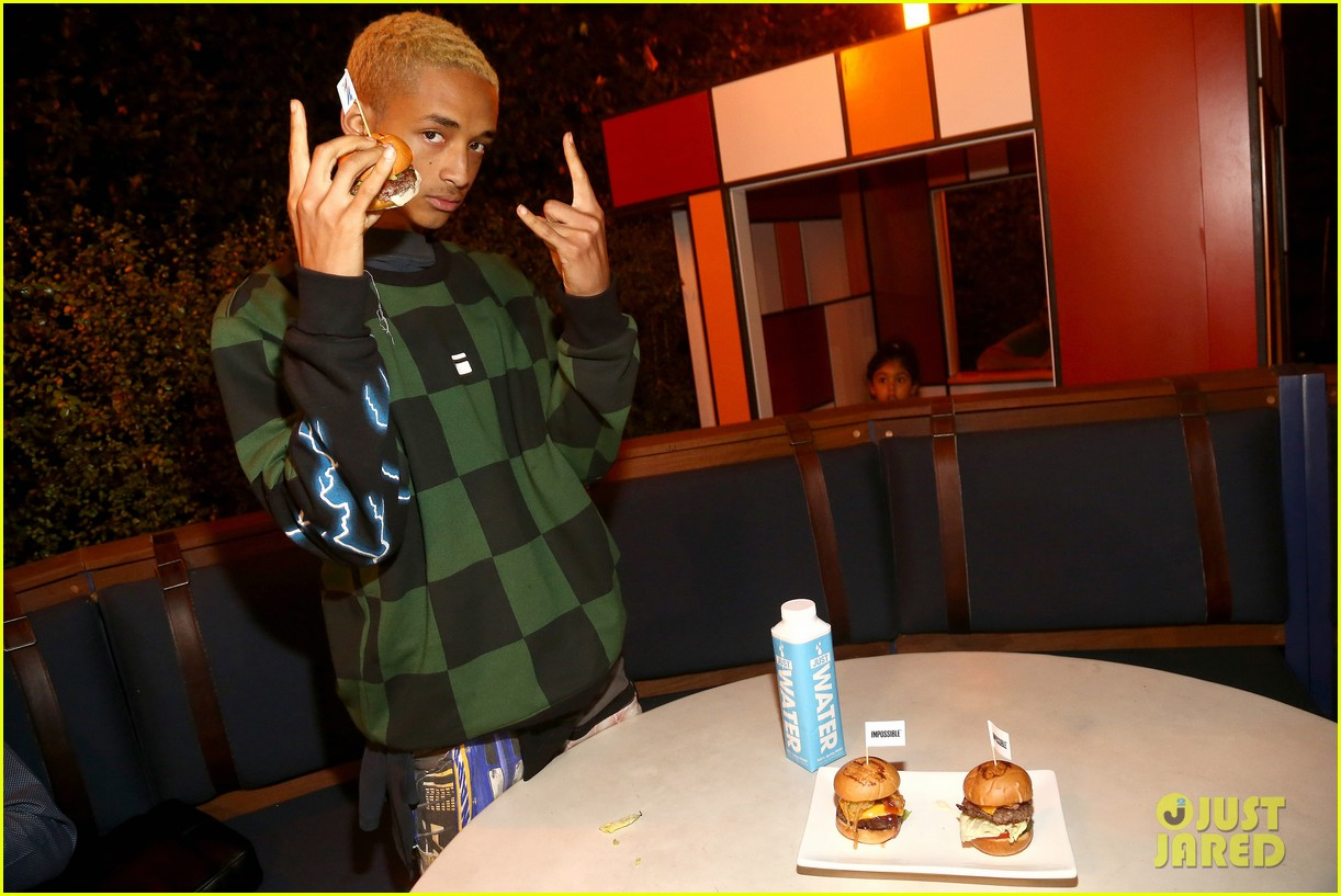 jada pinkett smith supports son jaden at umami burger impossible launch 113971425