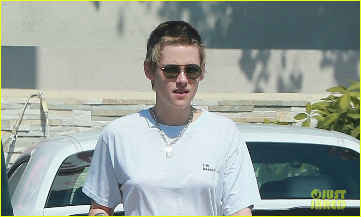 kristen stewart outing on sunday 05