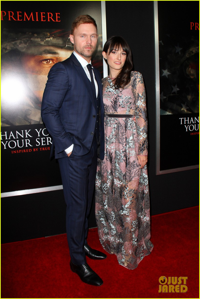miles teller keleigh sperry couple up at thank you for your service premiere 19