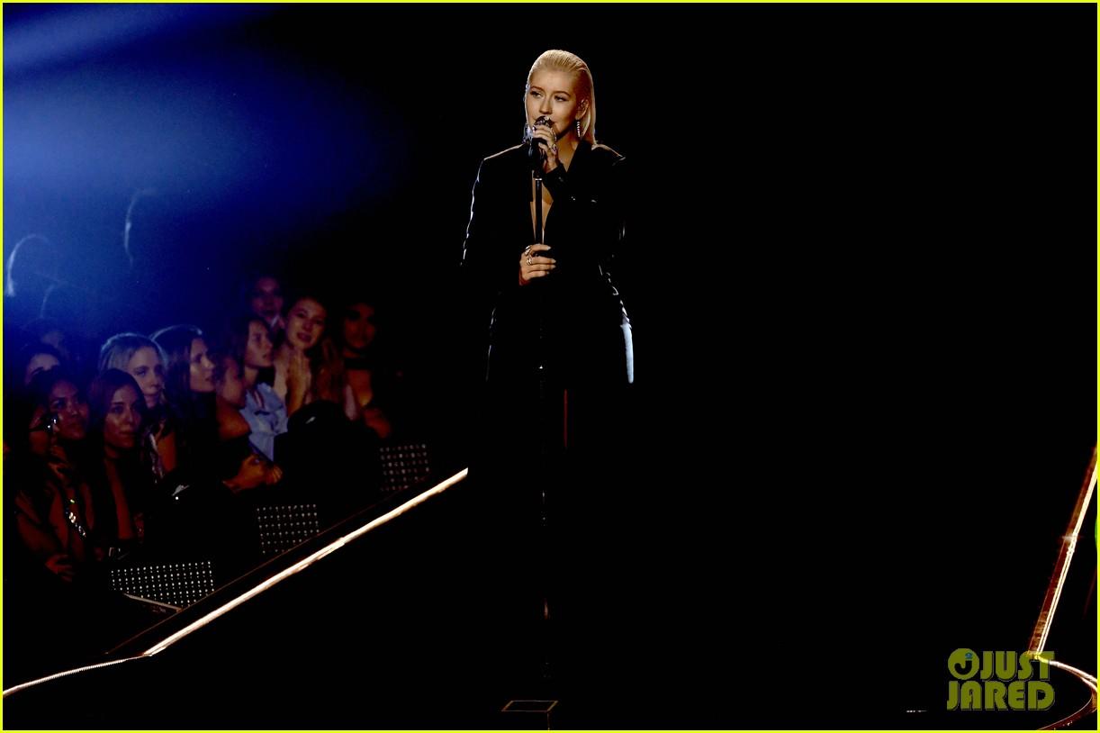 christina aguilera american music awards 2017 073990169