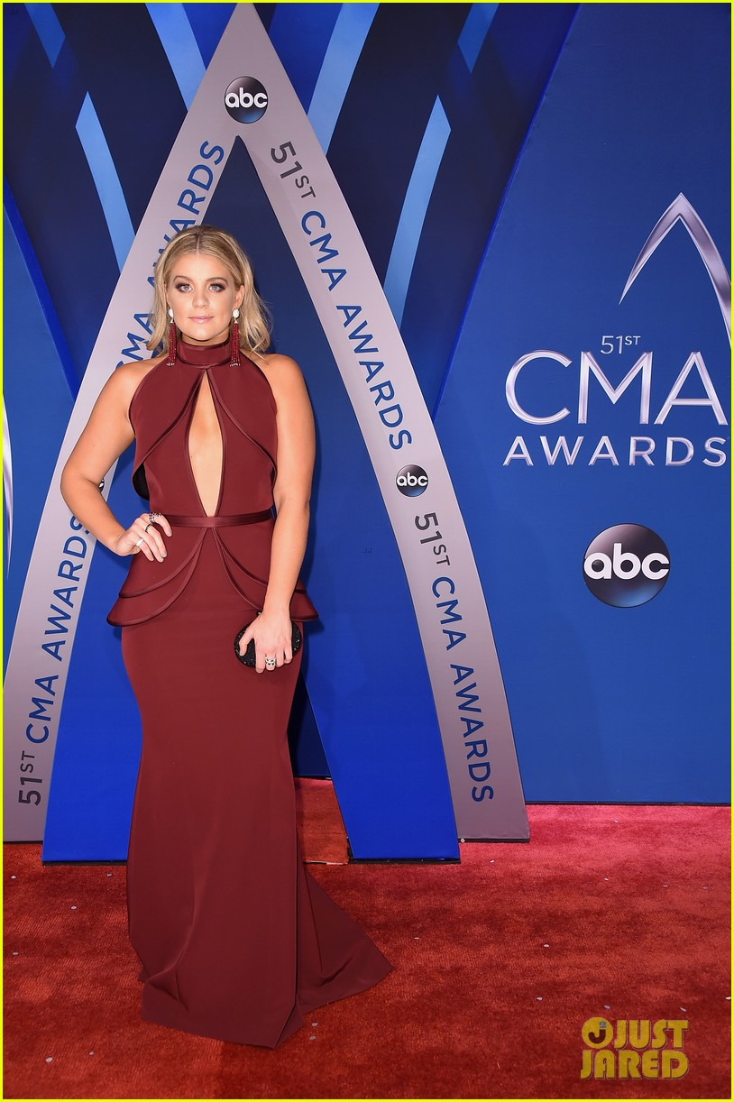 Lauren Alaina Joins Dan Shay On Cma Awards 2017 Red