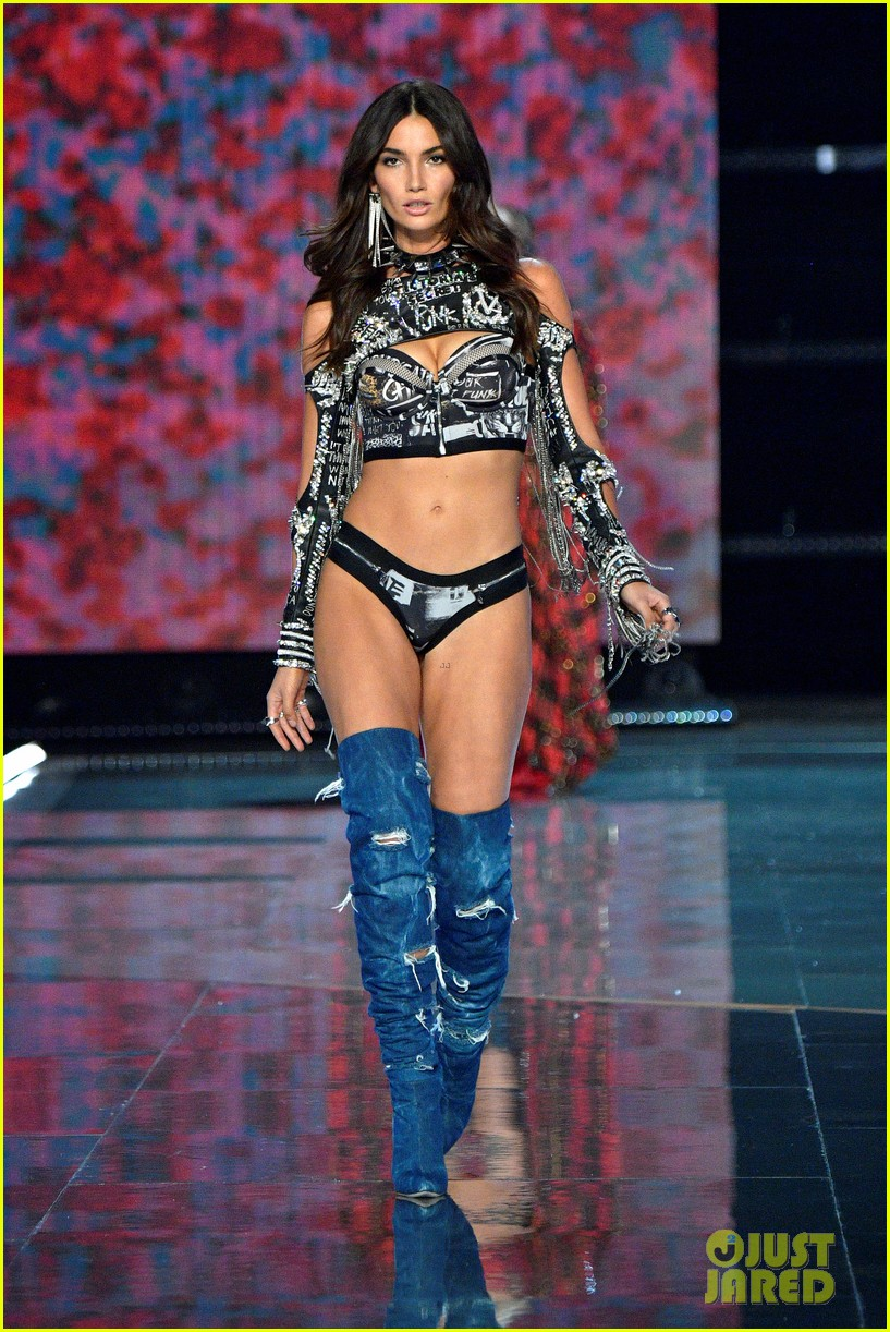 Victoria S Secret Fashion Show Balmain When