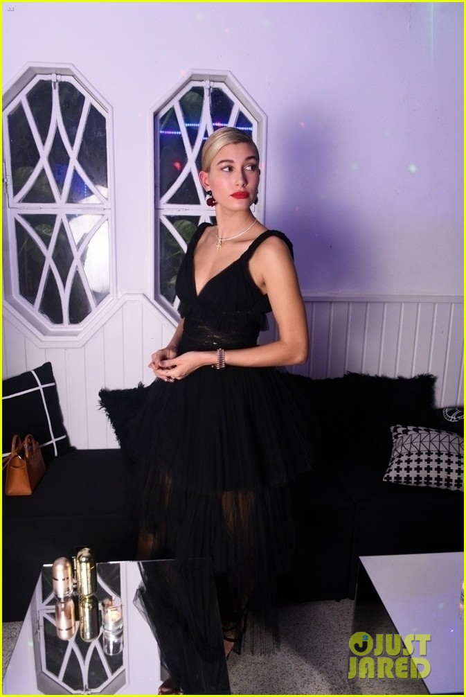 hailey baldwin celebrates carolina herrera in sao paolo 033985785
