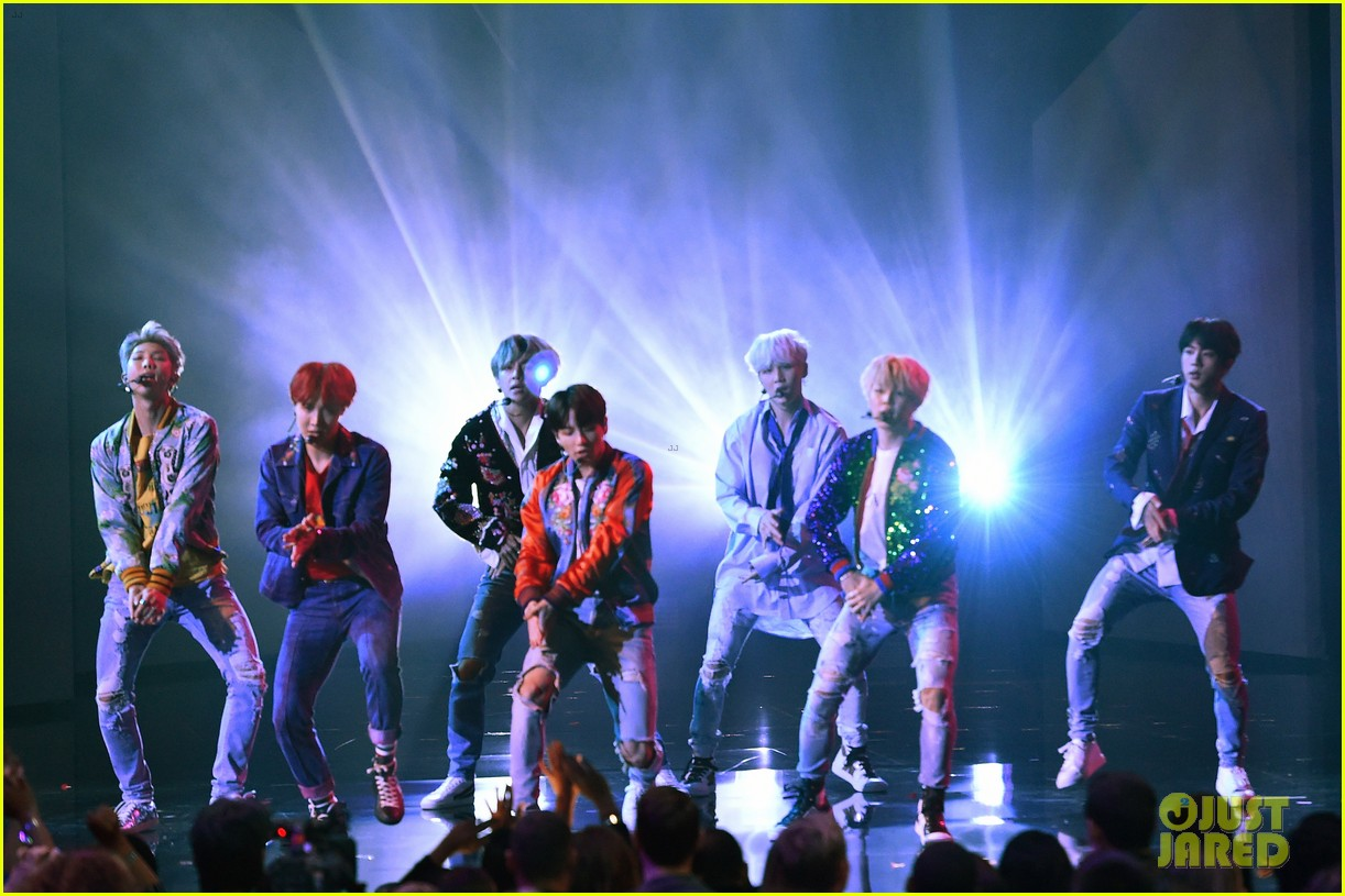 BTS Rocks the AMAs 2017 with 'DNA' Performance (Video ... Paris Hilton Engagement Ring