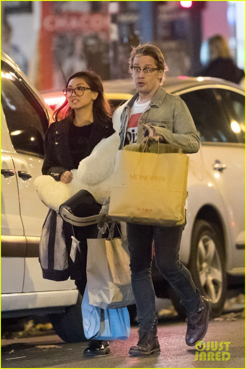 macaulay culkin brenda song paris photos 033993683