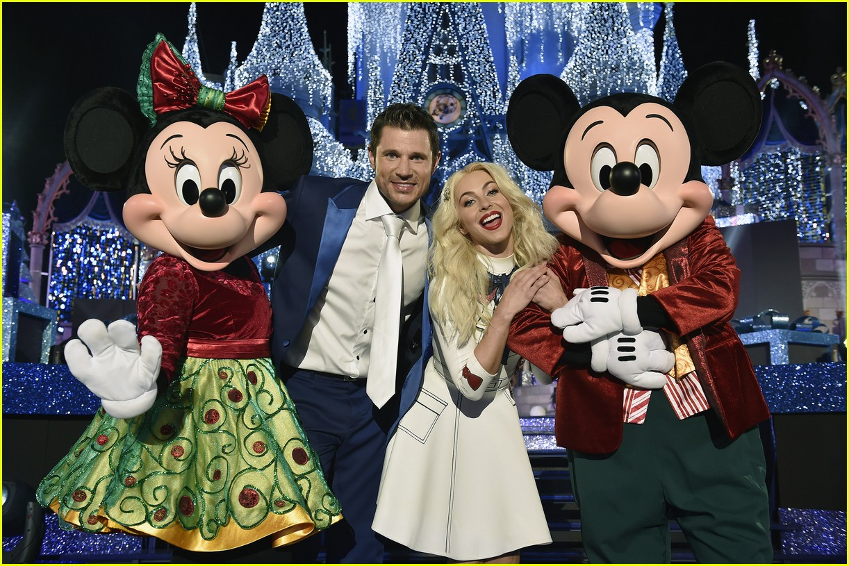 disney christmas special performers lineup 16