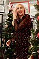 gwen stefani promotes christmas album at target 02