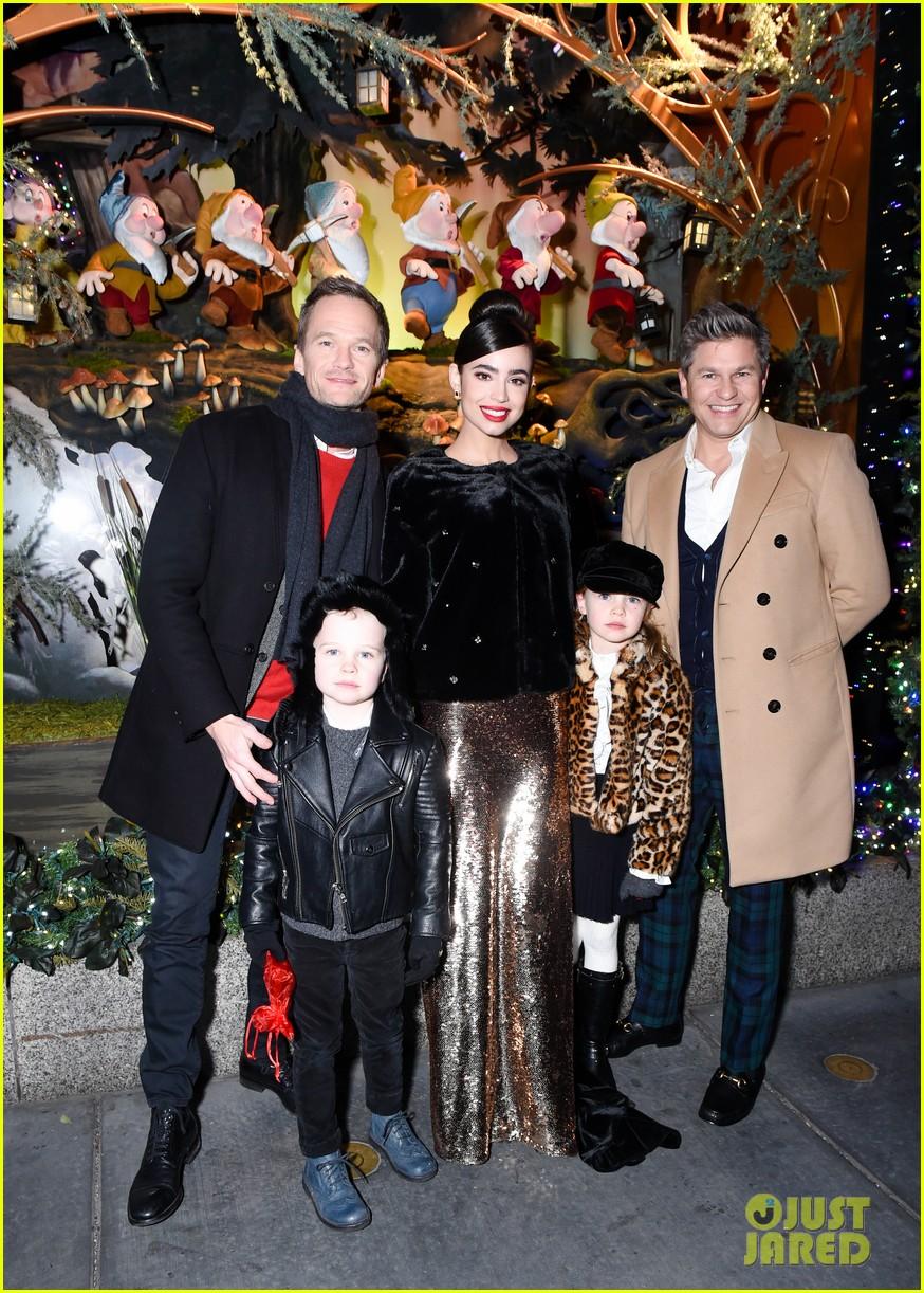 neil patrick harris david burtka make it a family affair at saks fifth avenue 023991145