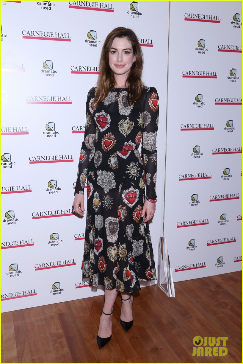 anne hathaway jessica chastain more perform at the childrens monologues 113987206