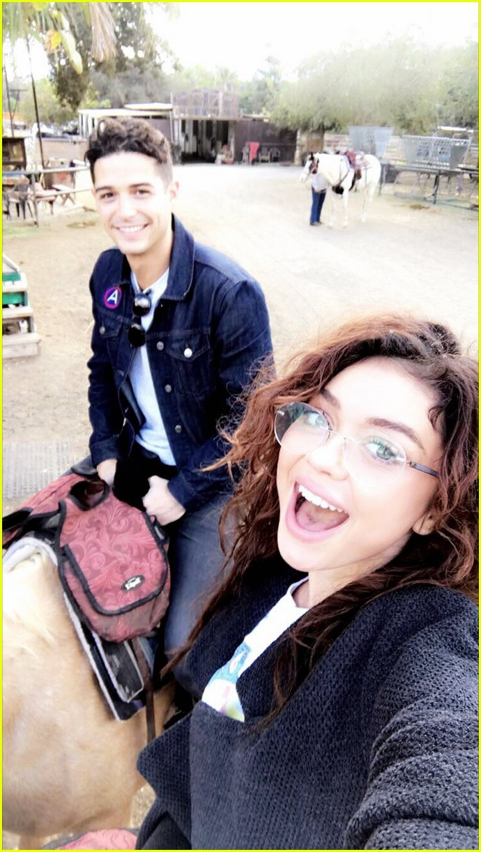 sarah hyland wells adams horseback riding date 033983254