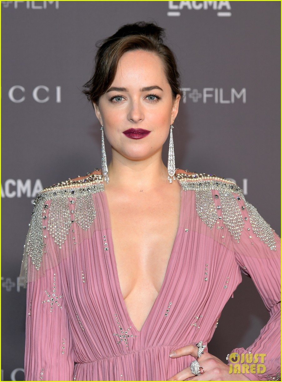 dakota johnson is pretty in pink for lacma gala 2017 043982421