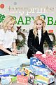julie bowen christmas wrapping 33