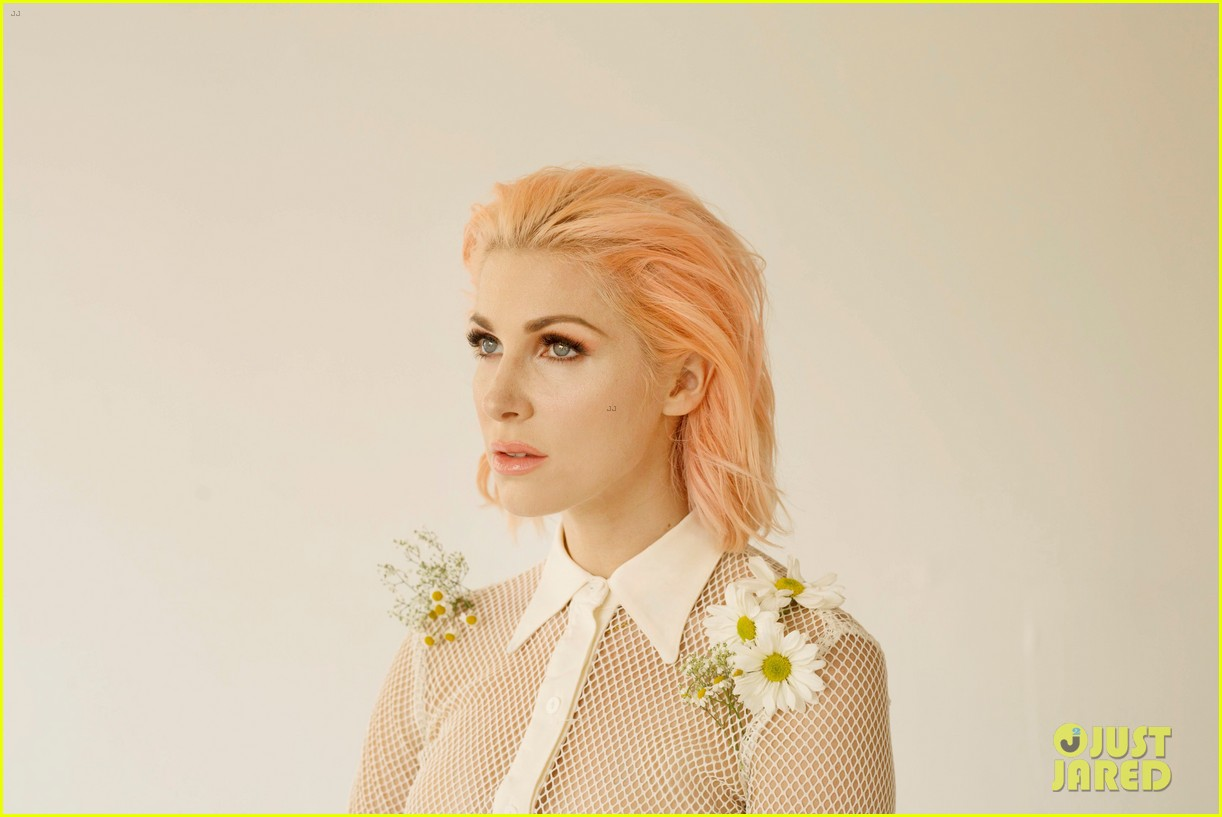 get to know bonnie mckee with these 10 fun facts exclusive 013987305