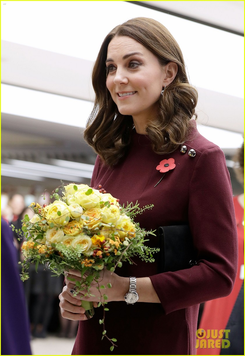 kate middleton says it takes a whole community to help raise a child 023984282
