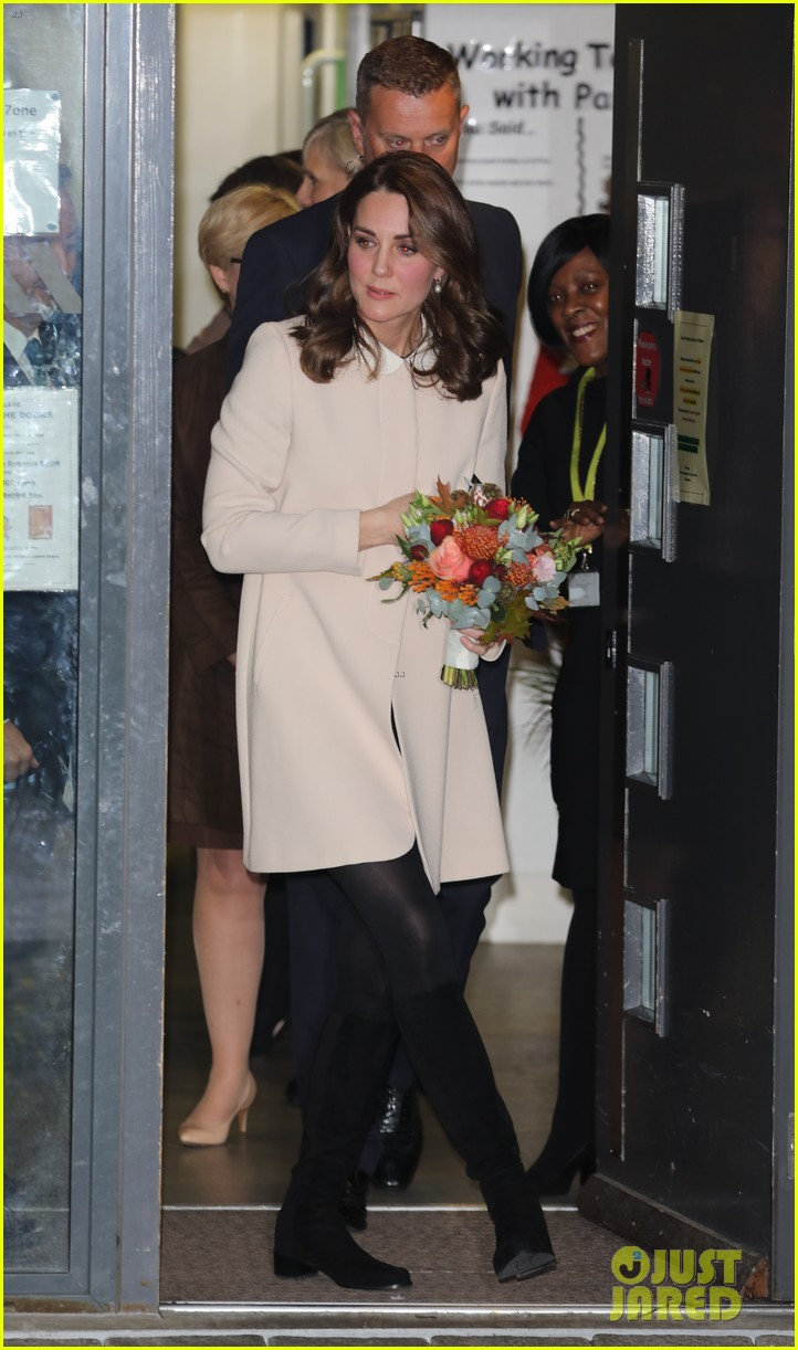 kate middleton supports fellow pregnant moms at rescheduled family action visit 123987299