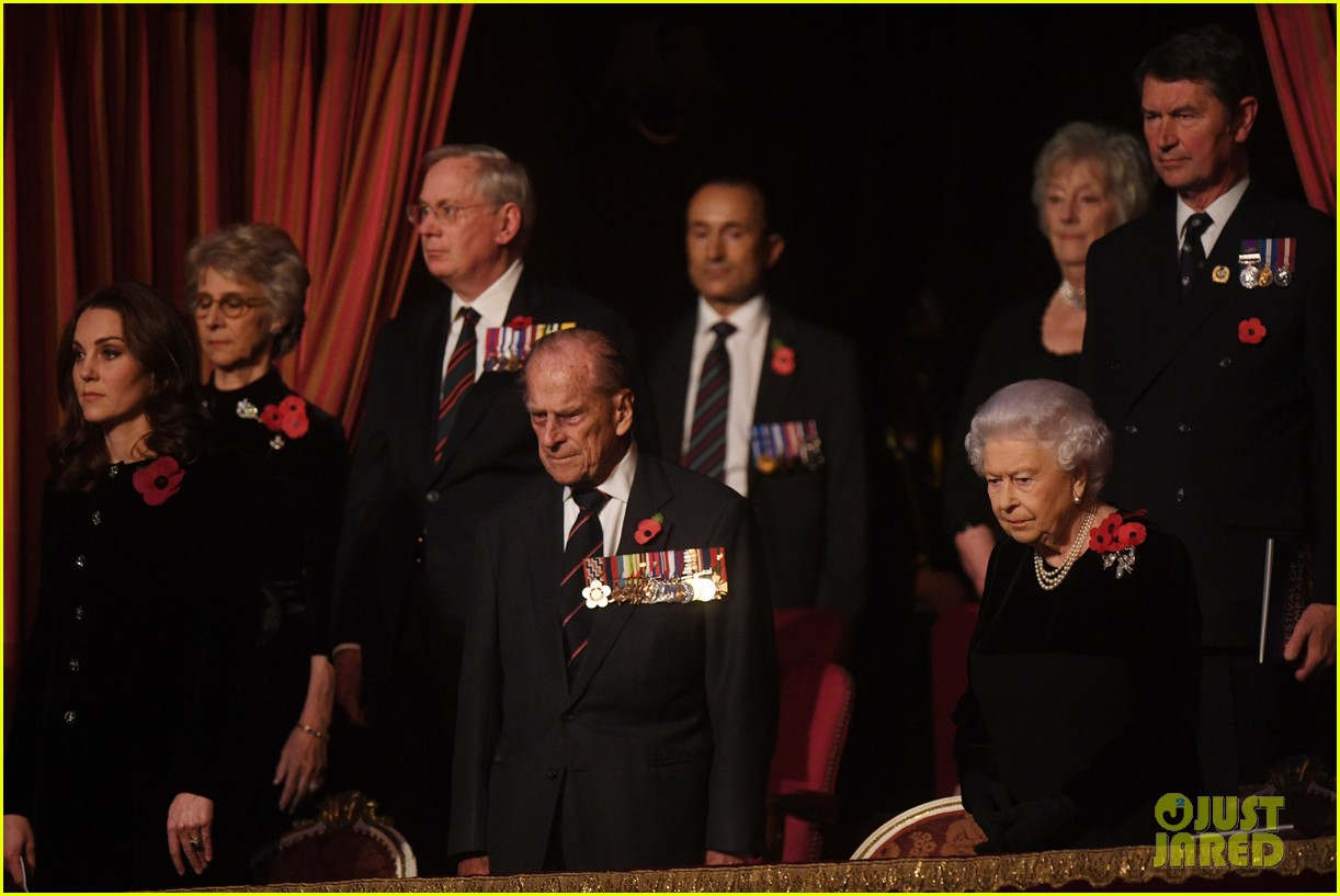 kate middleton joins the queen at festival of remembrance 053985847