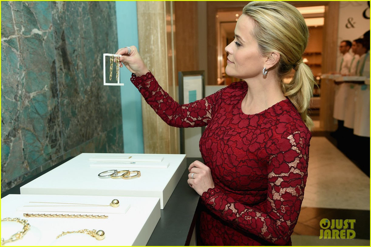 reese witherspoon tiffanys breakfast 033994036