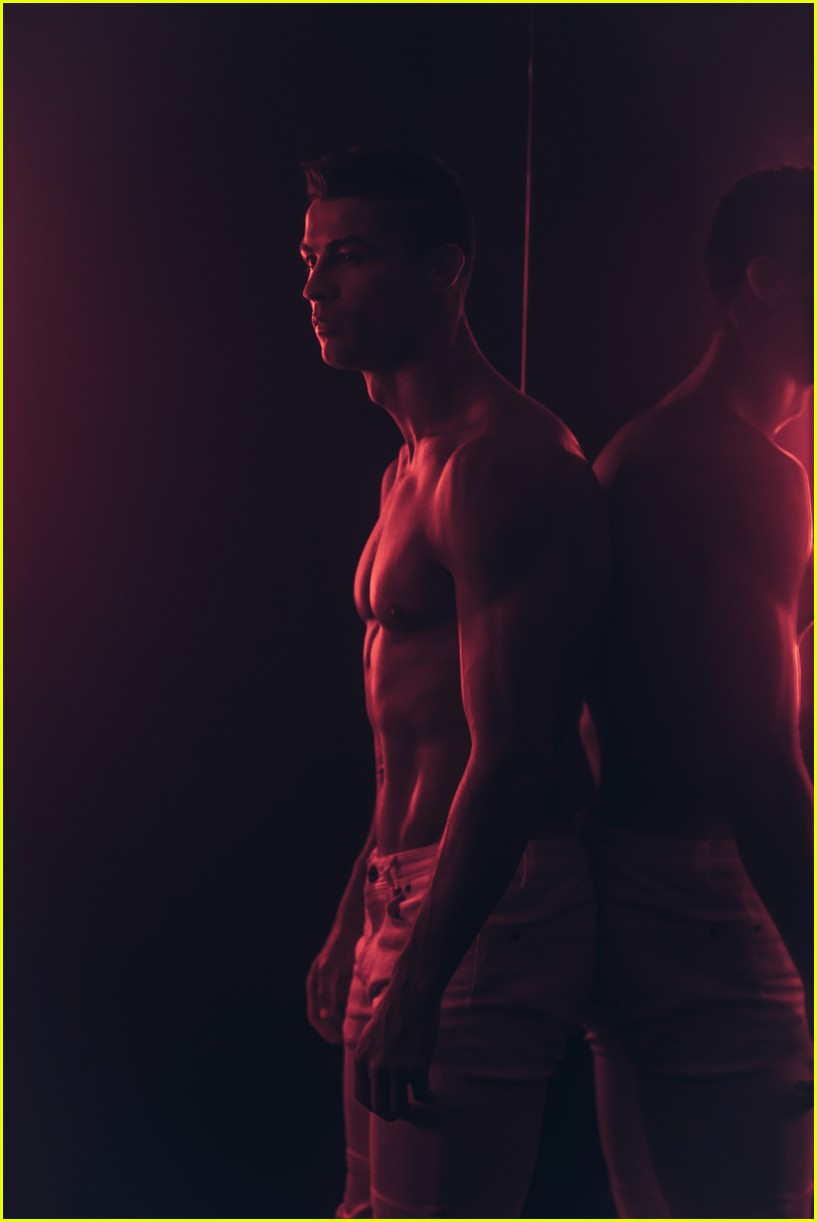 cristiano ronaldo looks so hot in new future of denim campaign 04