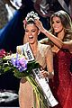 who won miss universe 2017 the crown goes to 01