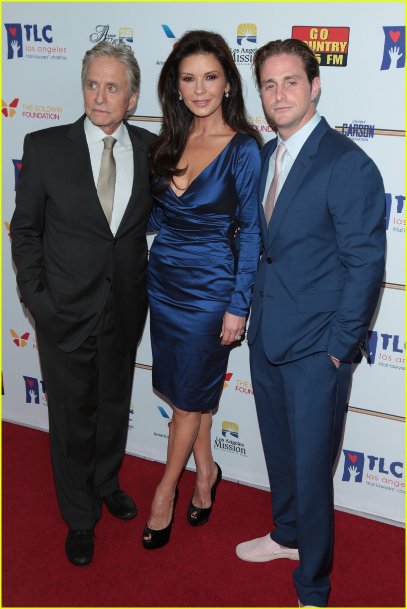 catherine zeta jones gets family support at legacy of vision gala 033985532