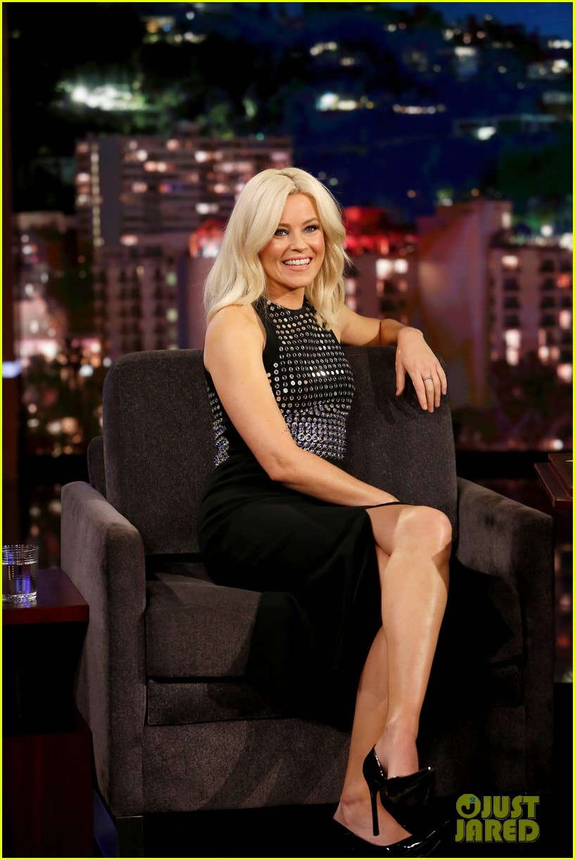 elizabeth banks says pitch perfect 3 was inspired by her life changing uso tour 053995429